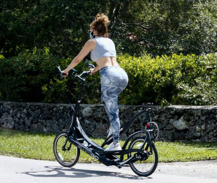 Fitness Freak Jennifer Lopez And Alex Rodriguez Training On Bikes With Their Personal Trainer