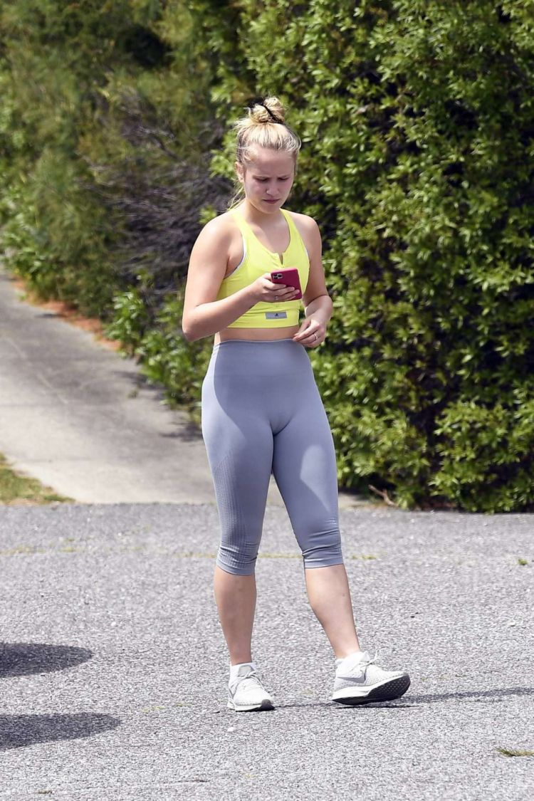 Sailor Brinkley Cook Jogging In Leggings Out In East Hampton