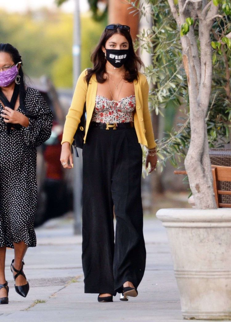 Vanessa Hudgens Spotted With Her Mom At Italian Eatery Trattoria Farfalla In Los Angeles