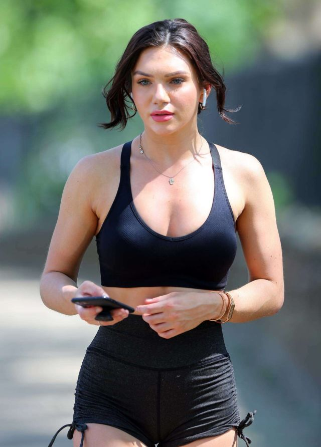 Gorgeous Alexandra Cane Spotted Jogging Out In London