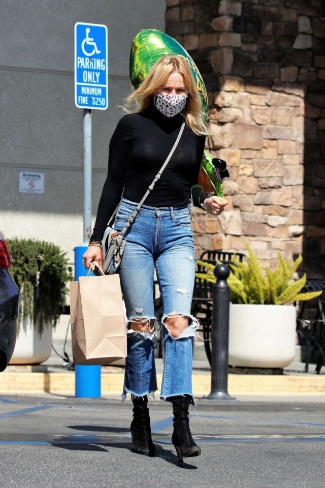 Stylish Malin Akerman Spotted In Jeans Outside M Cafe In Los Angeles