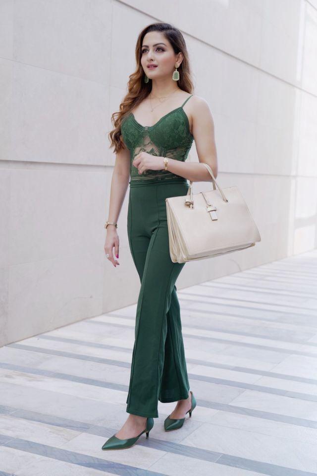 Indian Model Zaara Yesmin's Beautiful Photo Gallery