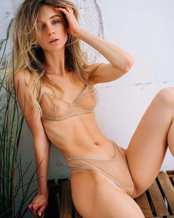 Anna Tsaralunga's Special Swimsuit And Lingerie Photoshoot