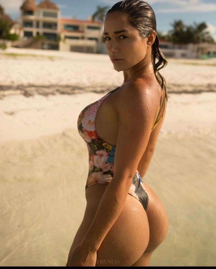 Bru Luccas photo bikini hot