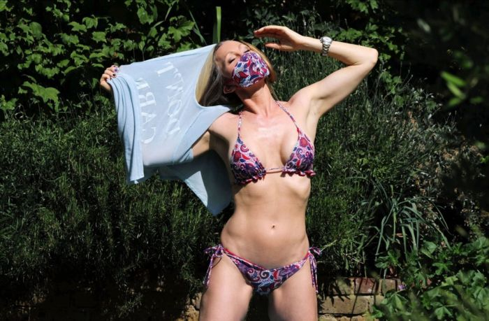 Caprice Bourret Tanning In A Three-Piece Trikini In A Park In London