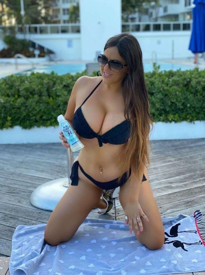 Claudia Romani Shoots For Italian Boutique Cerbero Store In Miami