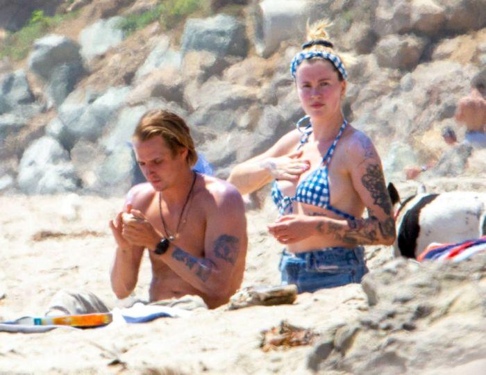 Ireland Baldwin Vacationing In Bikini At The Beach In Malibu